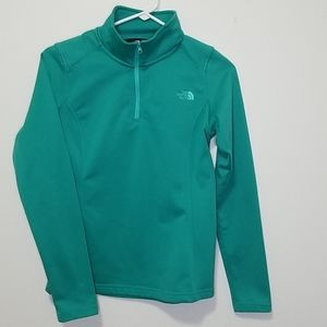 Half zip pull over north face long sleeve